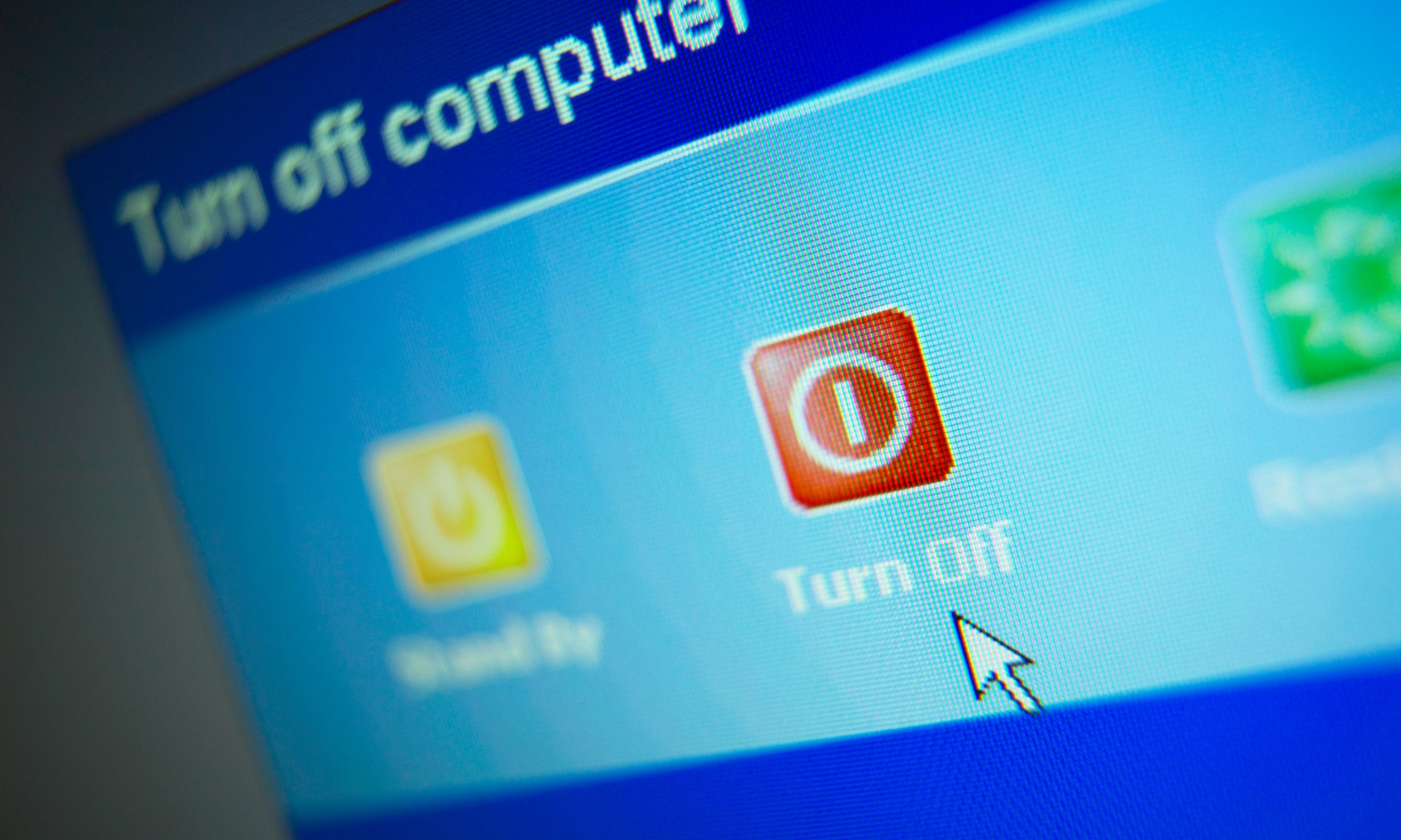 UK government PCs open to hackers as paid Windows XP support ends