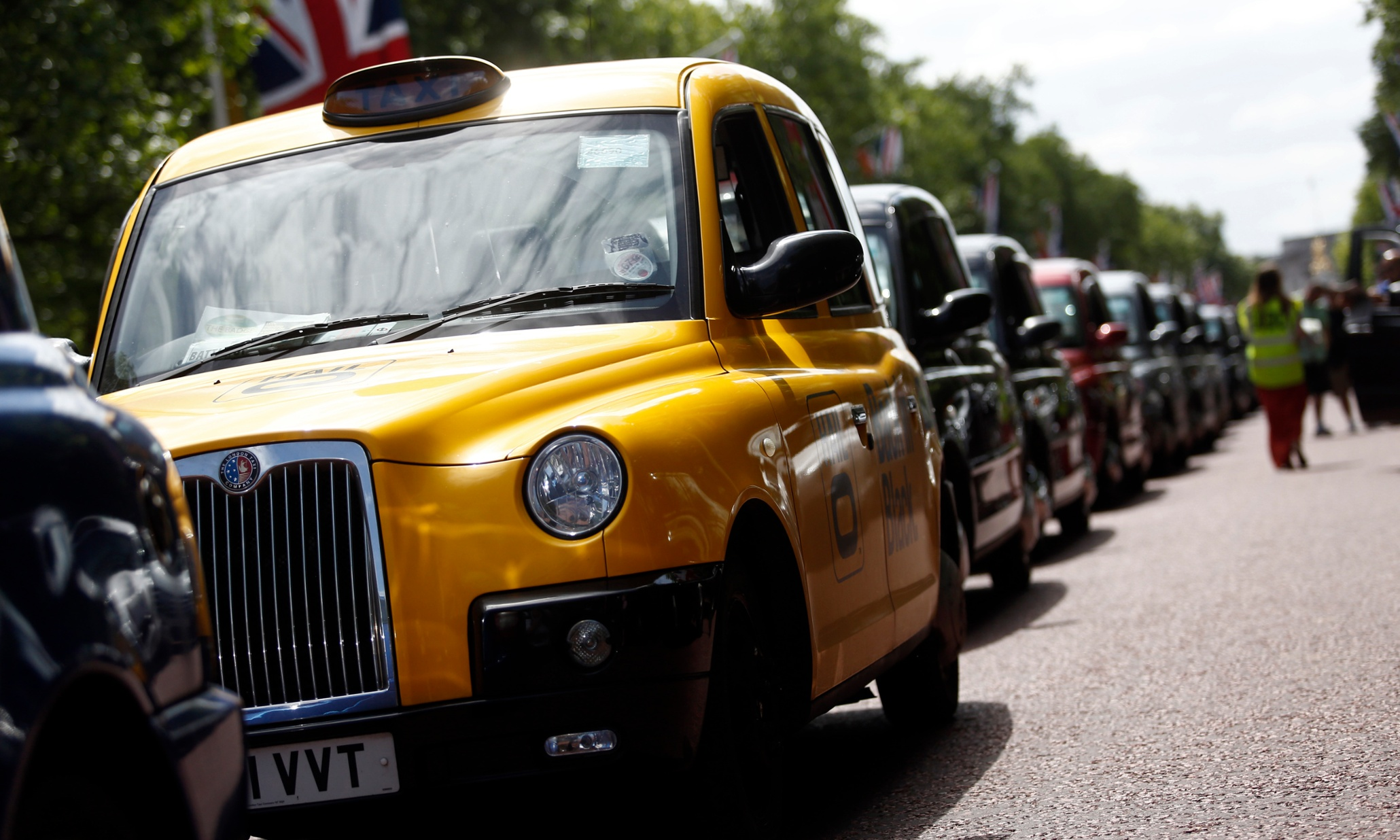 Uber drivers threaten rebellion against the $40bn company