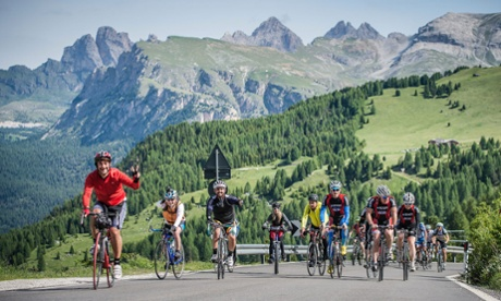 Closed-road cycling in the Italian Dolomites that's free for all