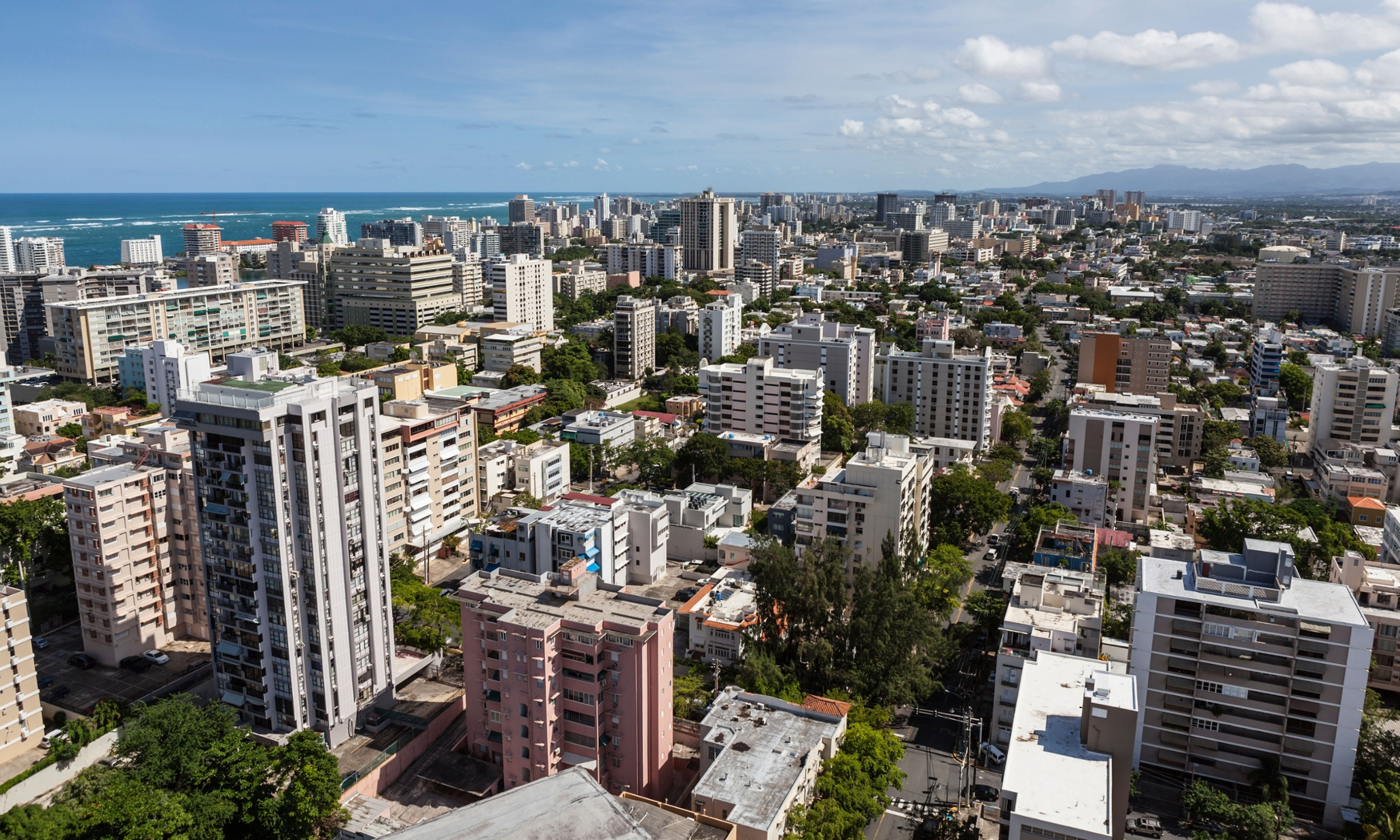 Former IMF economists give damning assessment of Puerto Rico economy