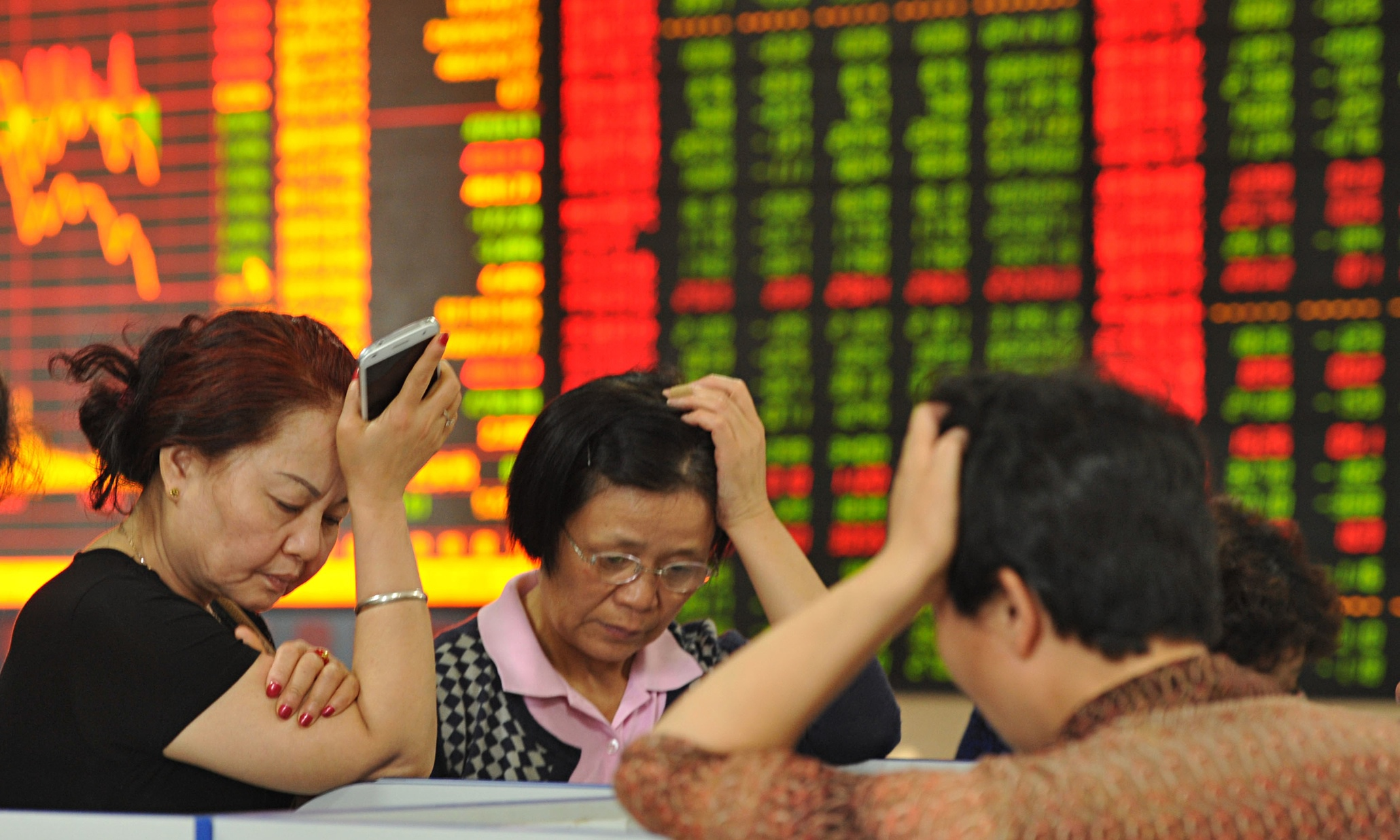 the effects of the 2015 stock market crash in china on its economy With china being the second-largest economy in the world, investors around the world are anxious about the major slide in the chinese stock market stocks in the us are falling dramatically.