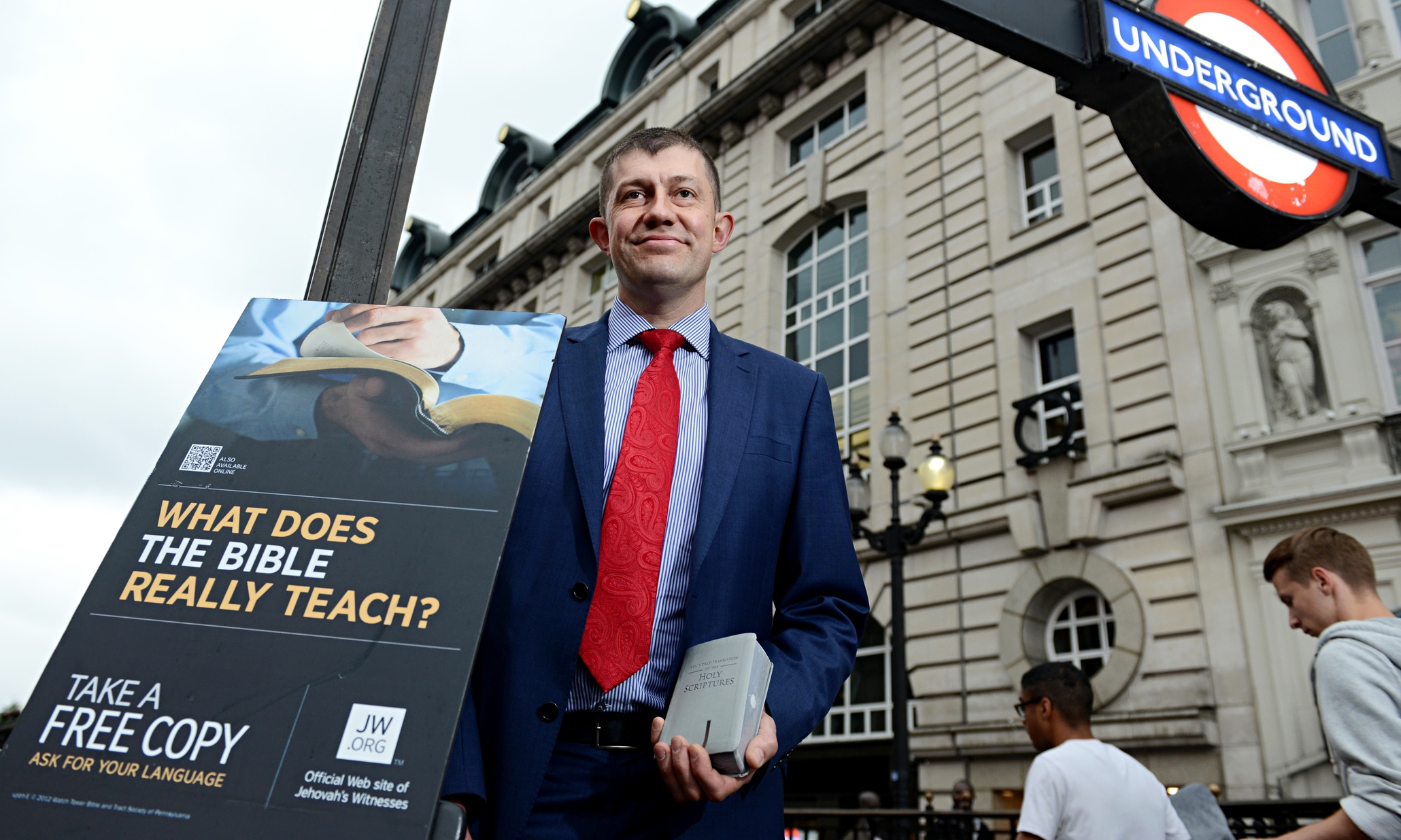 Jehovahs Witnesses take to streets as busy heathens are