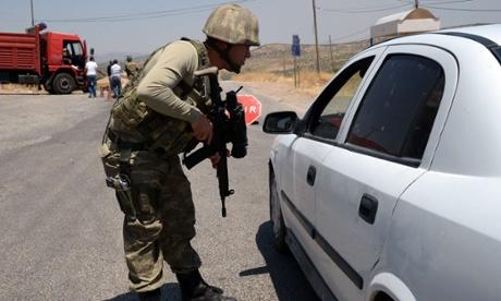 Turkey's peace with Kurds splinters as car bomb kills soldiers