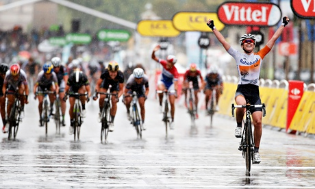 Anna van der Breggen wins La Course as Lizzie Armitstead fades