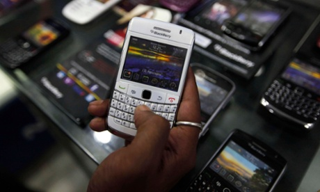 Pakistan bans BlackBerry services in privacy crackdown