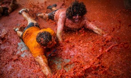 La Tomatina festival in Buñol, Spain – in pictures