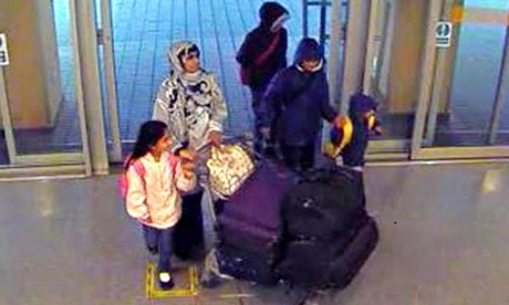 Police hunt London woman feared to be heading for Syria with her four children