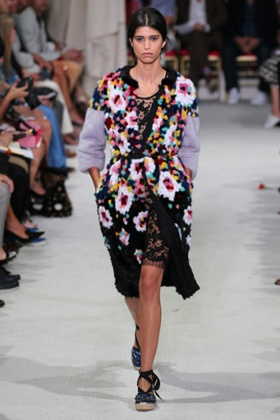 Florals and espadrilles on the Oscar de la Renta Spring/Summer 2016 catwalk.