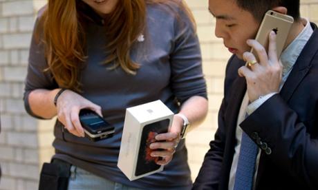 Apple predicts iPhone 6S sales will break records