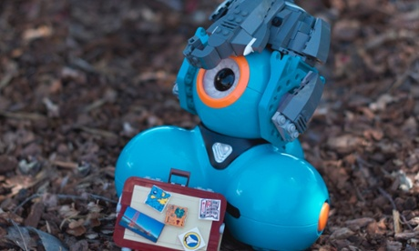 Can programmable robots Dot and Dash teach your kids to code?