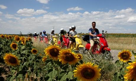 A Spanish road trip - by Vespa