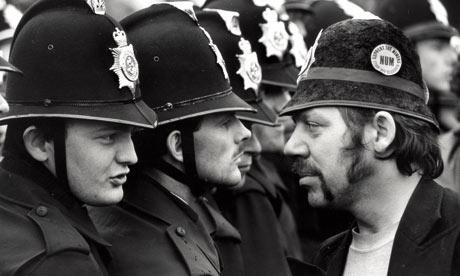 Paul Castle (far left) and George Brealey (right) at Orgreave in 1984