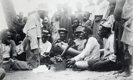 Charles Myers recording the sacred songs of the Malo-Bomai ceremonies