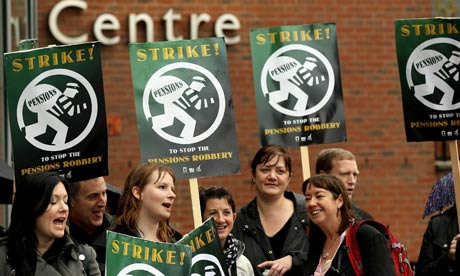 BBC journalists strike over pensions