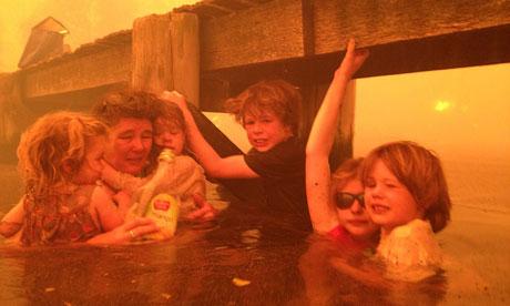 Australian wildfires: Tammy Holmes and grandchildren take refuge