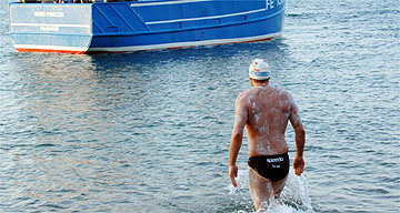 David Walliams entering the English Channel at the start of his cross-channel swim 4th July 2006