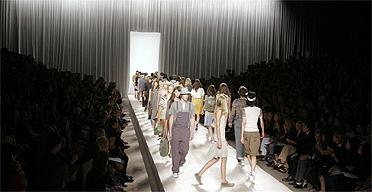 Model / catwalk / fashion / clothes / Marc Jacobs