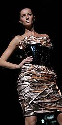 Giselle Bundchen at the Dolce & Gabbana Autumn/Winter 2007  show in Milan