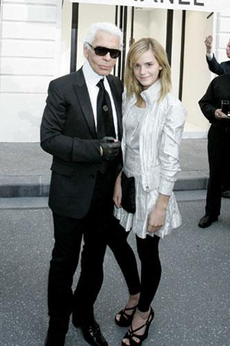 Emma Watson: Emma Watson poses with Karl Lagerfeld