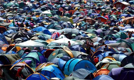 http://static.guim.co.uk/sys-images/Lifeandhealth/Pix/pictures/2009/6/22/1245679280133/Tents-at-Glastonbury-fest-001.jpg