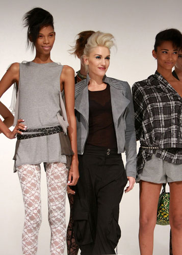 New york fashion week: Gwen Stefani poses with models for her fashion label L.A.M.B.