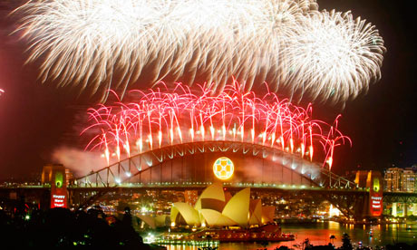 Fireworks explode in Sydney for New Year's Eve