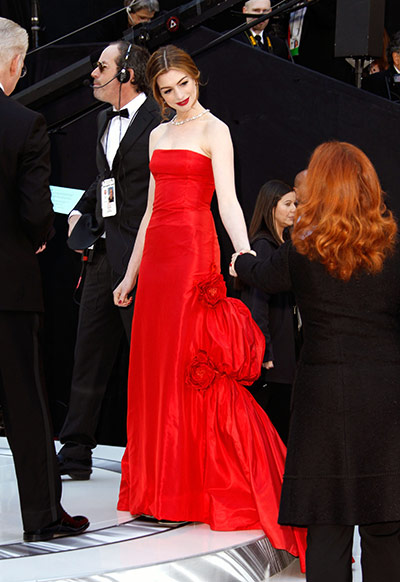 Oscars: Anne Hathaway arrives at the Oscars