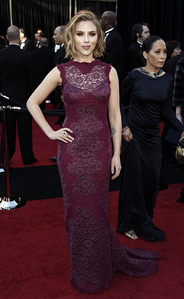 Oscars: Scarlett Johansson on the Oscars red carpet