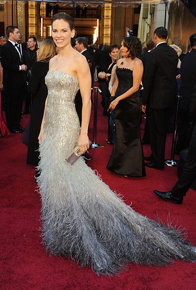 Oscars: Hilary Swank on the Oscars red carpet