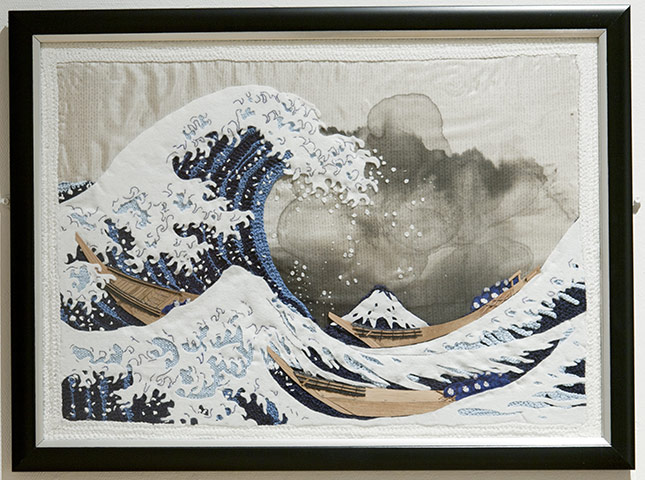 Knitted art: Hokusai's The Great Wave