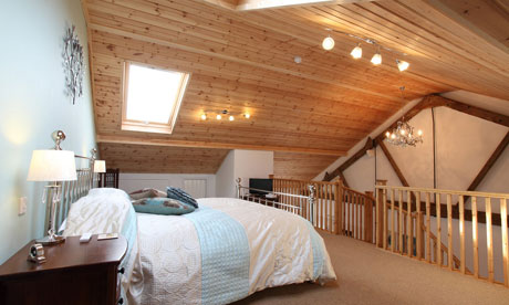 The Swallows Nest suite at Dairy Barns