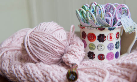 Mrs Moon needles and pink scarf