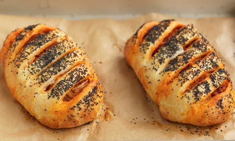Pepper, tomato and poppy seed pasties