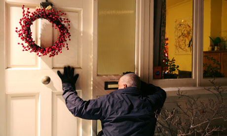 http://static.guim.co.uk/sys-images/MONEY/Pix/pictures/2010/12/10/1291980348382/burglar-Christmas-003.jpg
