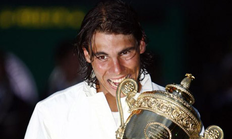 Rafael Nadal with the Wimbledon 2008 trophy