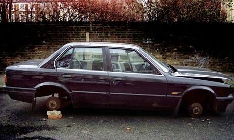 Abandoned car in Islington, London