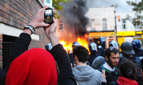 Facebook and Twitter to oppose calls for social media blocks during riots Hackney riot 007