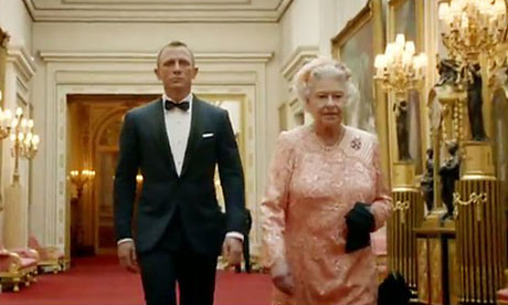 Olympics 2012: Daniel Craig as James Bond and the Queen