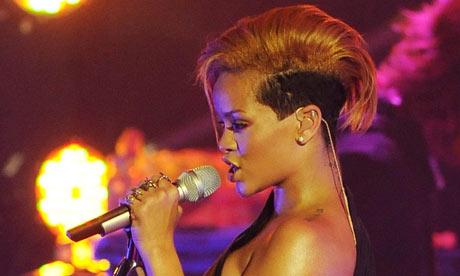 Rihanna--001