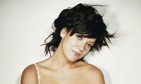 http://static.guim.co.uk/sys-images/Music/Pix/pictures/2009/2/6/1233942205418/Lily-Allen-001.jpg