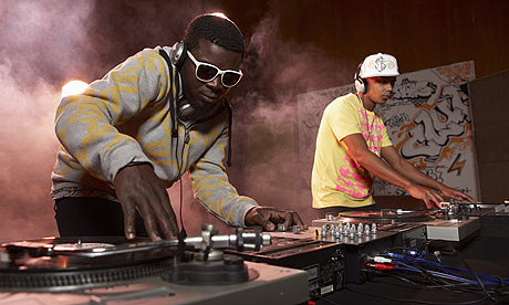 http://static.guim.co.uk/sys-images/Music/Pix/pictures/2009/5/29/1243592481183/Two-Djs-mixing-music-on-t-002.jpg