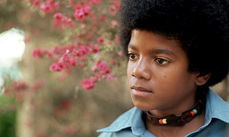 http://static.guim.co.uk/sys-images/Music/Pix/pictures/2009/6/27/1246111519224/Young-Michael-Jackson-in--002.jpg