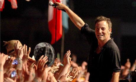 bruce springsteen born to run lyrics. Bruce Springsteen Pyramid