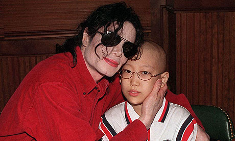http://static.guim.co.uk/sys-images/Music/Pix/pictures/2011/2/1/1296564989731/Michael-Jackson-and-a-Sou-007.jpg