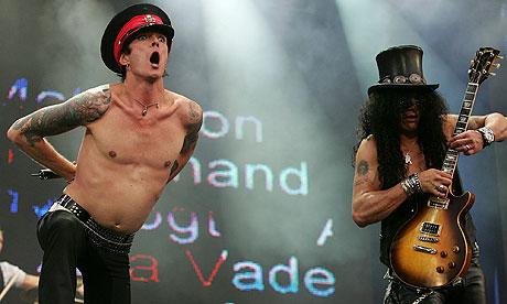 Scott Weiland and Slash of Velvet Revolver in 2005