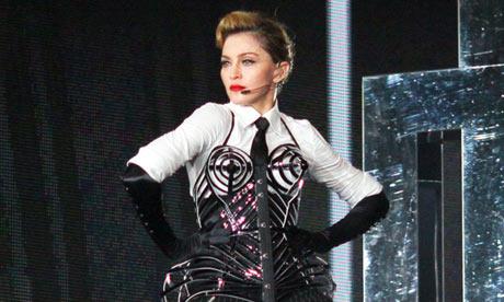 Мадонна и Леди Гага обвиняются в нарушении российских визовых законов