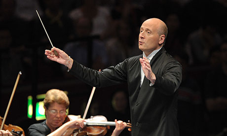 Paavo Järvi conducts the Orchestra de Paris at the BBC Proms