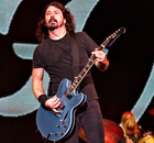 One of the greatest rock acts of our time … Dave Grohl of Foo Fighters plays the Invictus Games clos