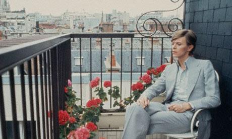 l'immense David Bowie est décédé après avoir publié son ultime chef-d'oeuvre, ★ (Blackstar)  David-Bowie2-007