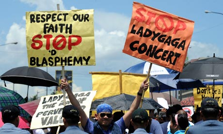 A Biblemode Youth member at an anti-Lady Gaga protest in Manila